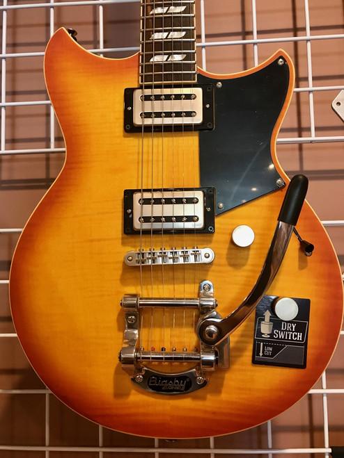 Yamaha Revstar RS-720B WLF Wall Fade Bigsby Electric Guitar bag