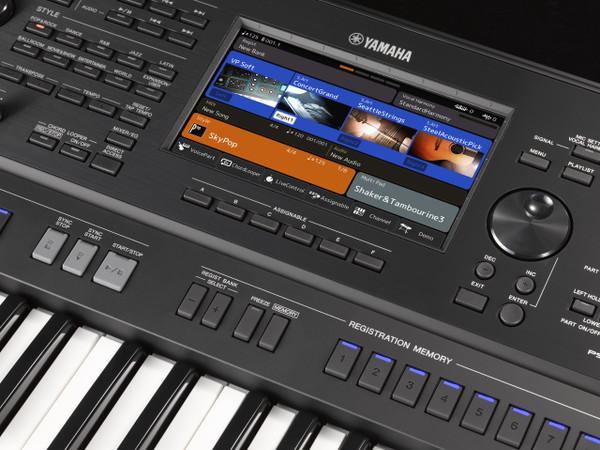 Yamaha PSR-SX900 61 note keyboard arranger