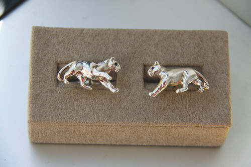PANTHER CUFFLINKS WITH SAPPHIRE OR DIAMOND EYES