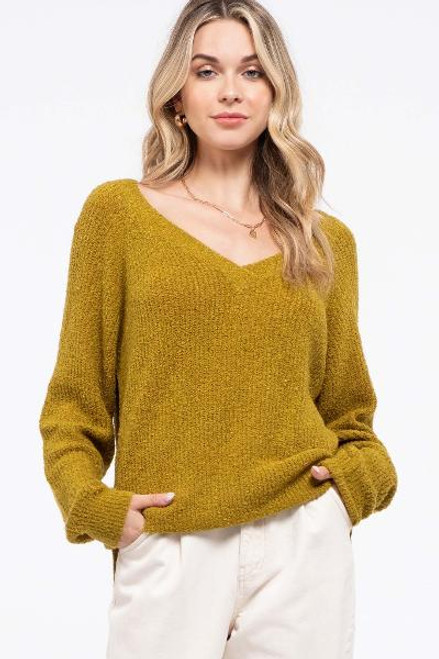 KIWI  V-NECK HI-LO SWEATER