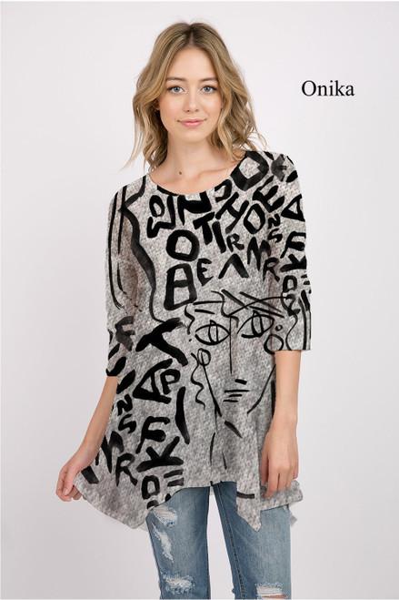 Et' Lois Hazy Thick Line Letters With Face Print Soft Knit Top