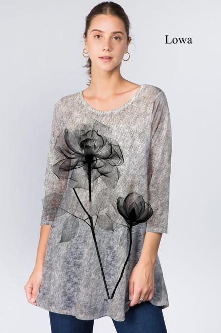 Et' Lois Hazy X-Ray Flower Soft Knit Top