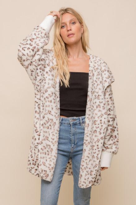 Hem & Thread Leopard Sherpa Fleece One Size Open Jacket with Pockets