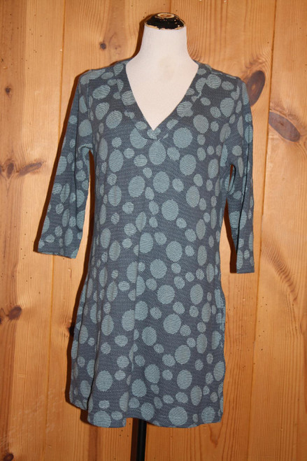 Komil Blue Circle Weave 3/4 Sleeve V-Neck Seam Pocket Tunic
