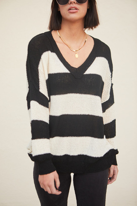 Sawyer V-Neck Sweater - Black/cream