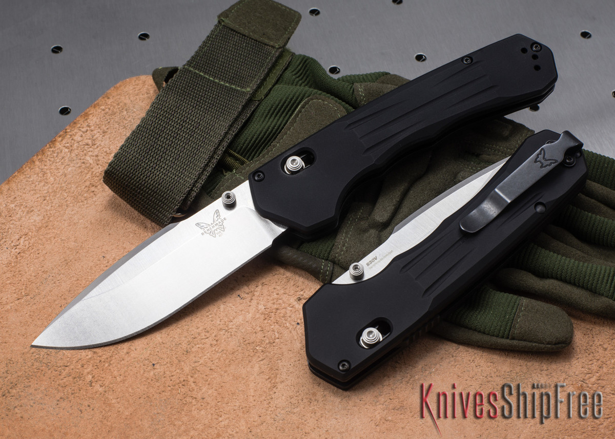 Benchmade Knives: 407 Vallation - Black Aluminum - CPM S30V - Assisted Opening - AXIS Lock primary image