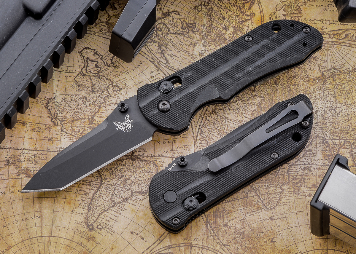 Benchmade Knives: 904BK Mini Stryker - Black Blade primary image