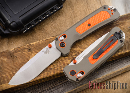 Benchmade Knives: 15061 Grizzly Ridge - Versaflex - CPM-S30V - AXIS Lock