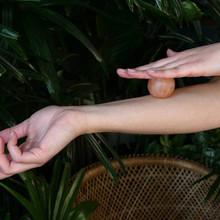 Relaxus Himalayan Salt Lamp With Massage Balls | REL-503806 | UPC 628949038061