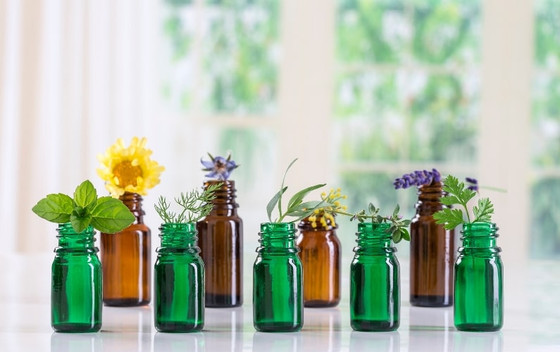 3 DIY Essential Oil Spring Blends to Cleanse your Home