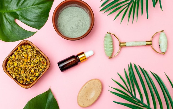 Your All-Natural Guide to Summer Skin Care