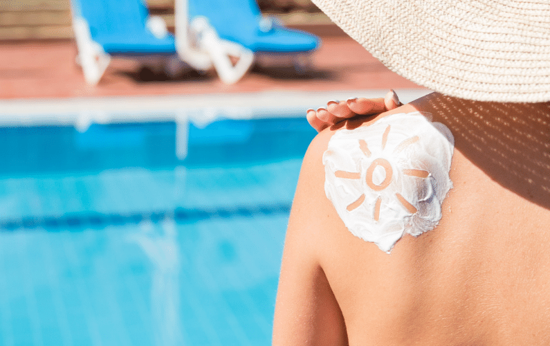 Benefits of Natural Sunscreens + Best Sunscreens in 2021