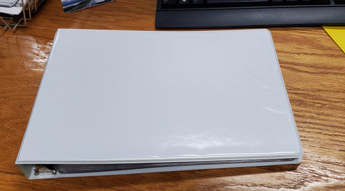 """11x8.5 Binder Vinyl Panel with pockets Featuring a 0.5"""" Round Ring White"""
