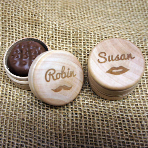 Wooden Wedding Favours - personalised wooden boxes ideal for place settings.