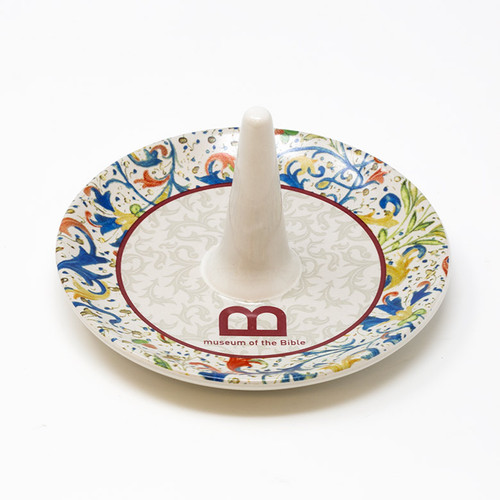 Monogram Line Ring Holder  | Museum of the Bible