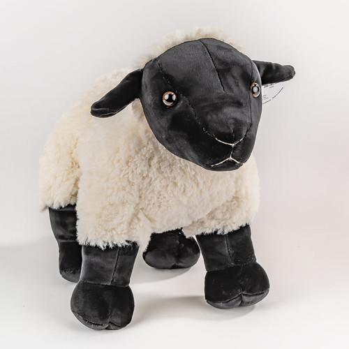"13"" Noah's Ark Lamb   Museum of the Bible"