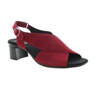 Munro Women's Laine in Red Nubuck