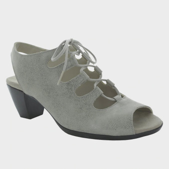 Munro Women's Jillie in Silver Metallic Nubuck