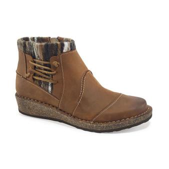 Aetrex Women's Tessa Short Sweater Ankle Boot in Cognac