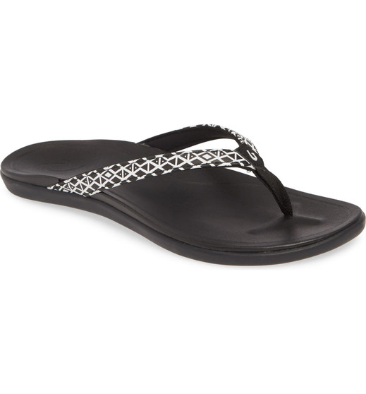 Olukai Women's Ho'opio Beach Sandals in Black Kapa