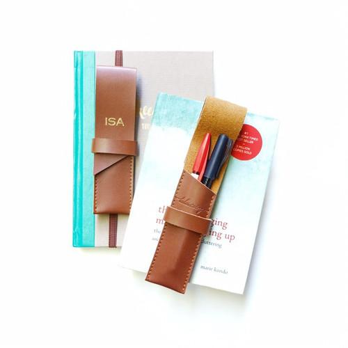 Pen Case With Garter (Brown)