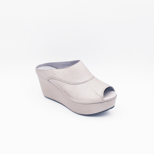 Wind - Grey Leather