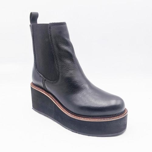 She Nah Bootie - Black