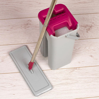 Kleeneze Flat Head Mop and Bucket Set