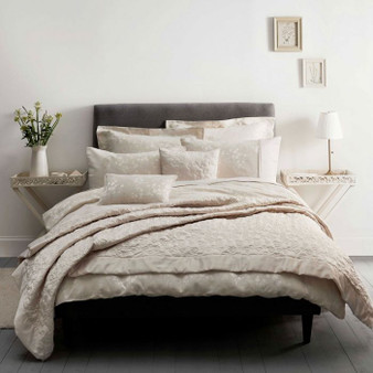 Flora Natural Quilted Throw (240cm x 160cm) - 059951