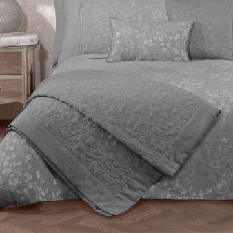 Flora Silver Quilted Throw (240cm x 160cm) - 059960
