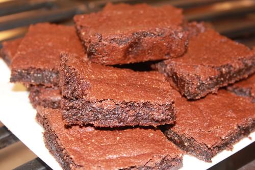Fully baked fudge brownies