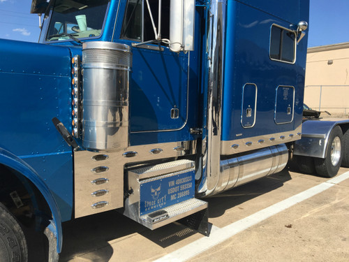 "Peterbilt 379 Cab & Cowl Light Panels 6.5""x1 Piece w/ P1 LED Lights"