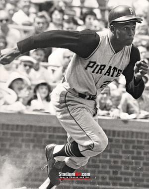 Pittsburgh Pirates Roberto Clemente Baseball Player Photo Art Print 8x10 or 11x14 or 40x30 StadiumArt.com Sports Photos