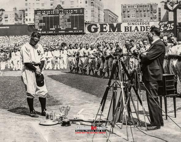 New York Yankees Lou Gehrig NY Baseball Photo Art Print 8x10 or 11x14 or 40x30 StadiumArt.com Sports Photos