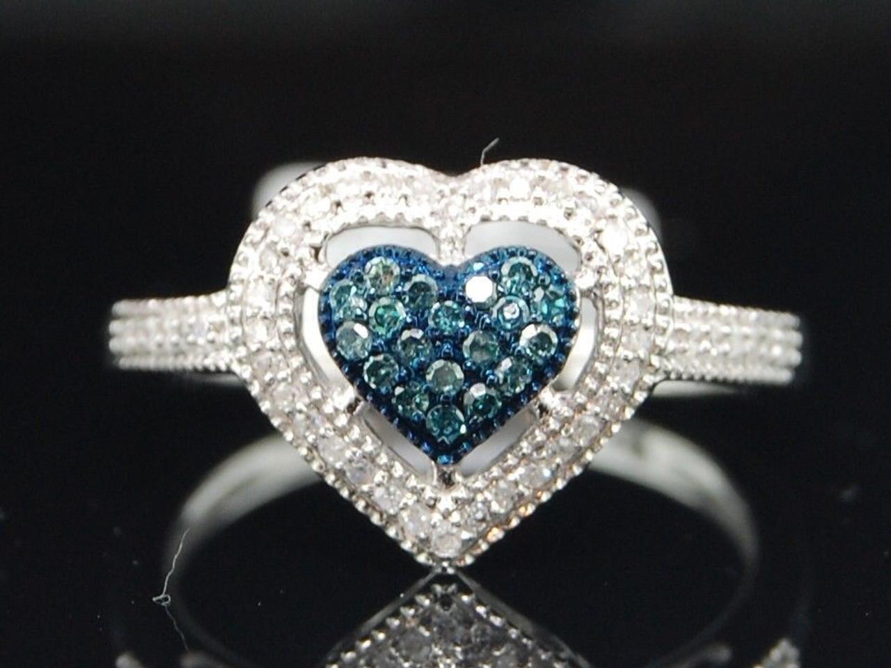 10k White Gold Blue Diamond Solitaire Heart Pendant 1//4 ct