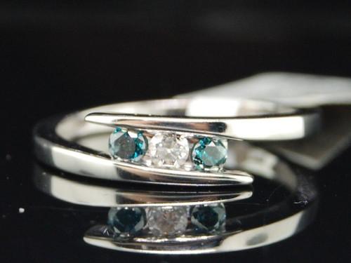 10K LADIES WHITE GOLD BLUE DIAMOND 3 STONE FASHION ENGAGEMENT PROMISE RING SET