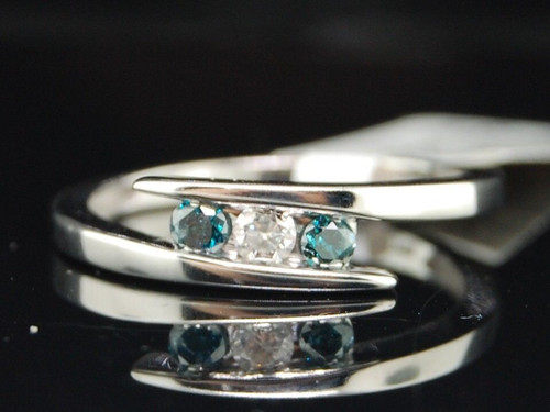 10K LADIES WHITE GOLD BLUE DIAMOND 3 STONE FASHION ENGAGEMENT PROMISE RING SET