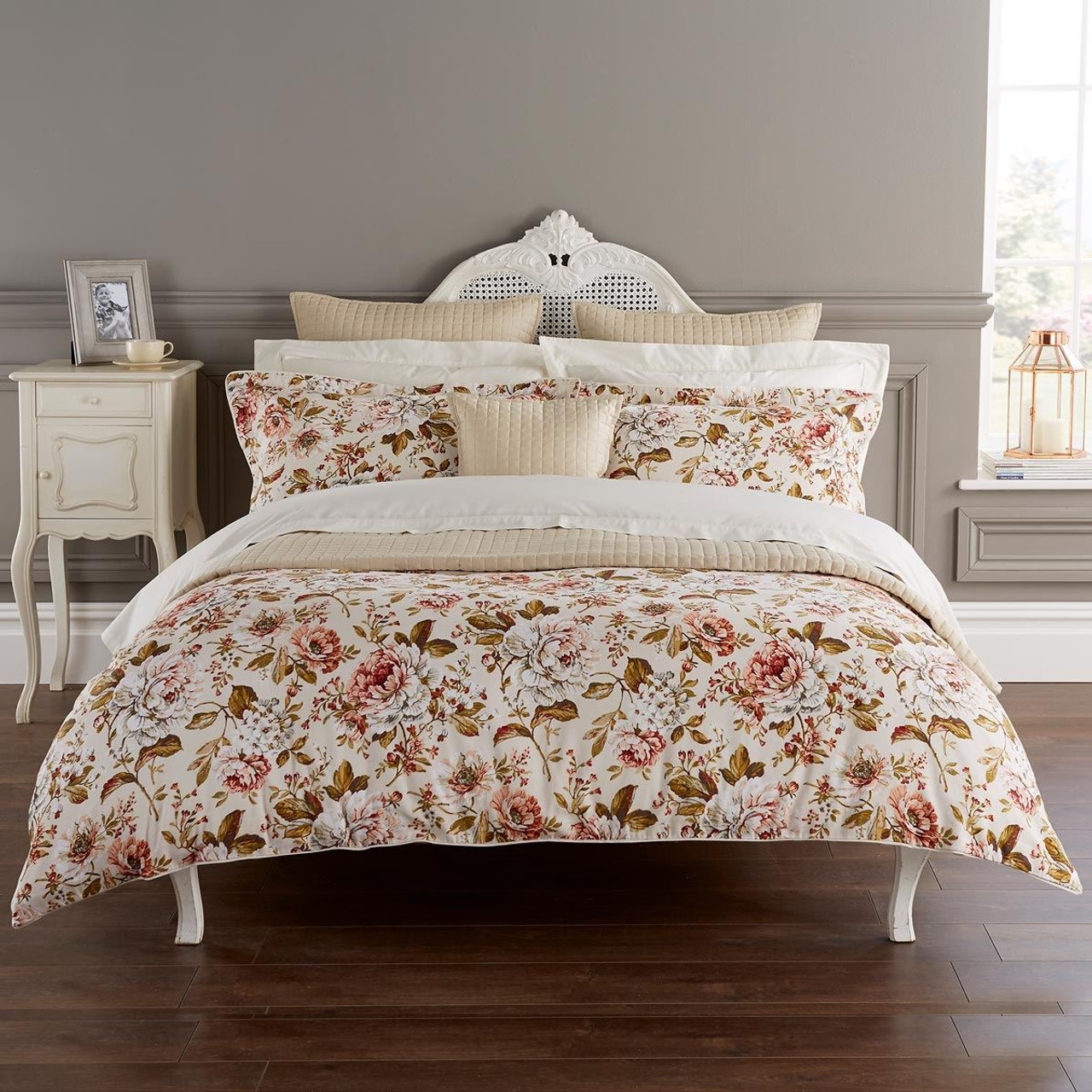 Christy Classic Rose Duvet Set In Russett