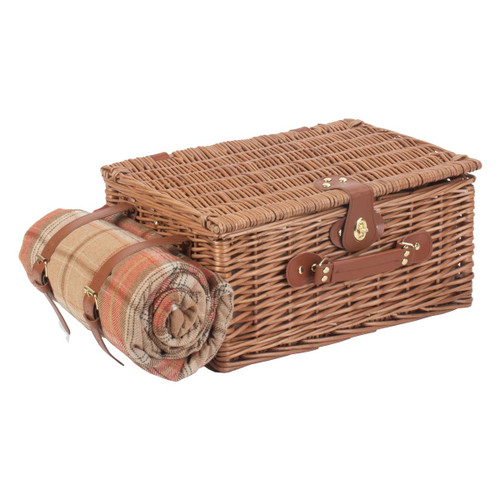 Closed Hamper With Blanket