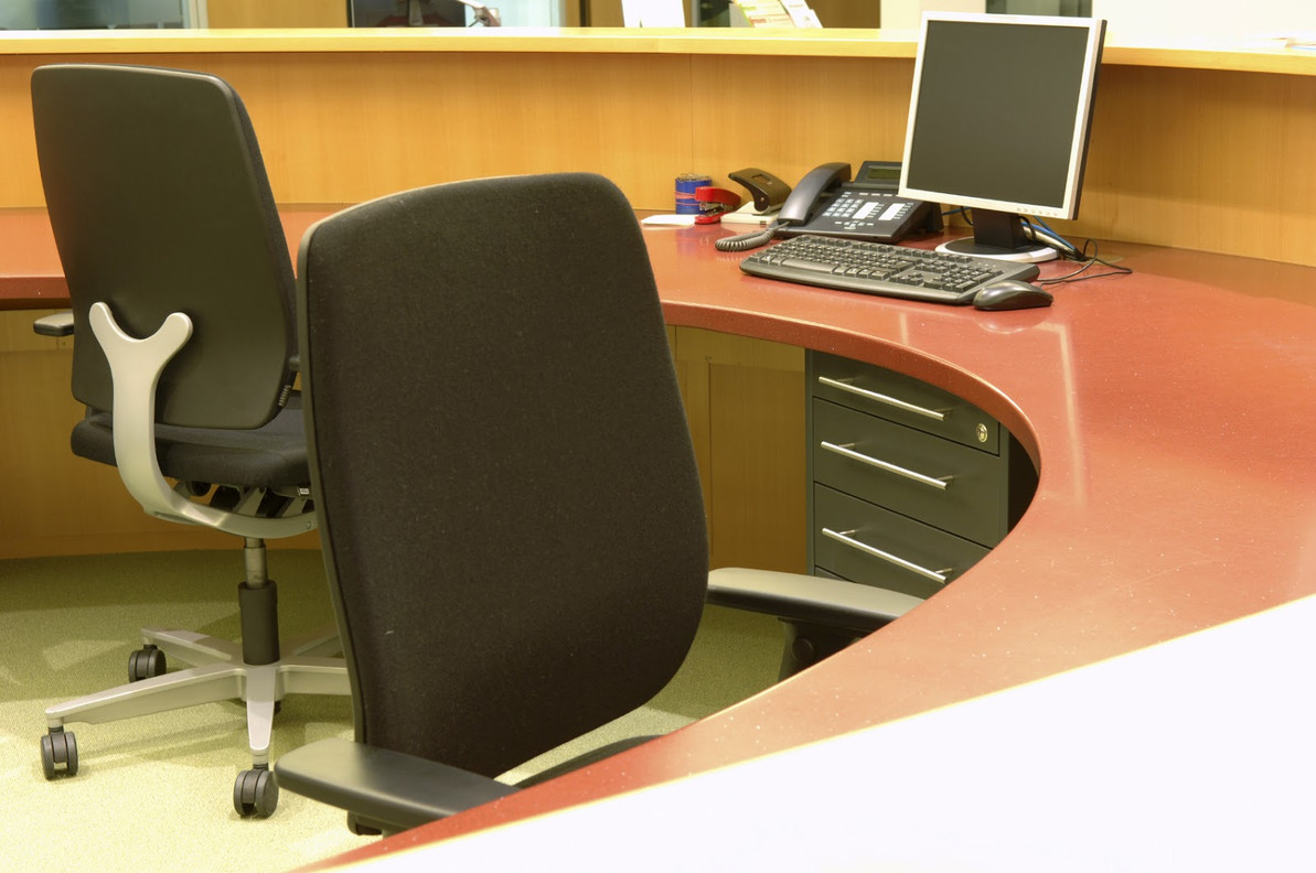 Tips on buying the right furniture for your office