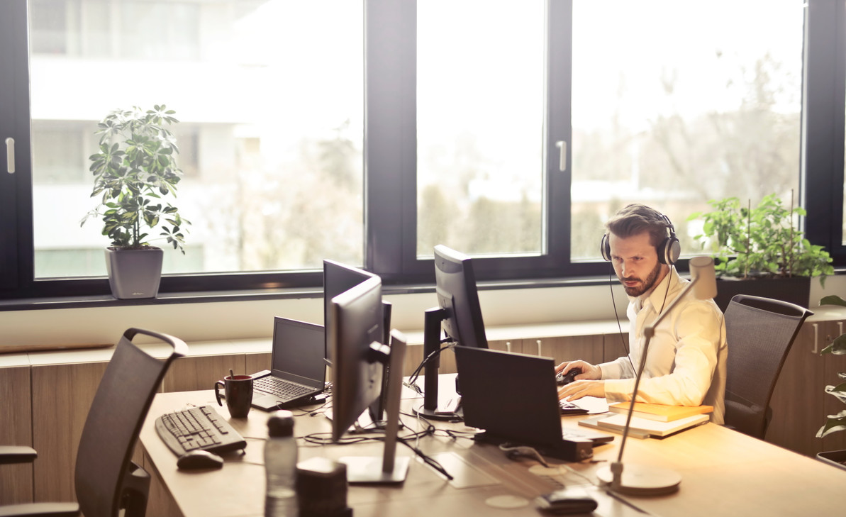 How to Minimize Noise in Your Office and Increase Productivity