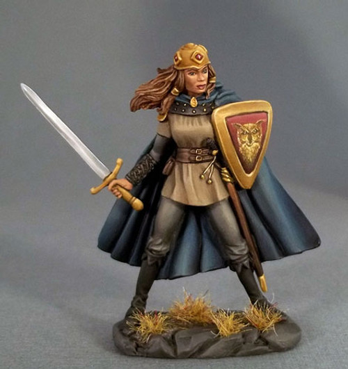 DSM 4115 - Female Fighter with Long Sword