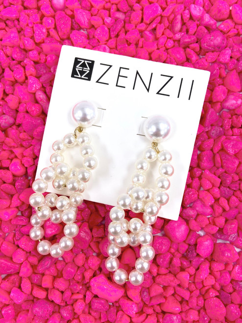 Linked pearl drop earring