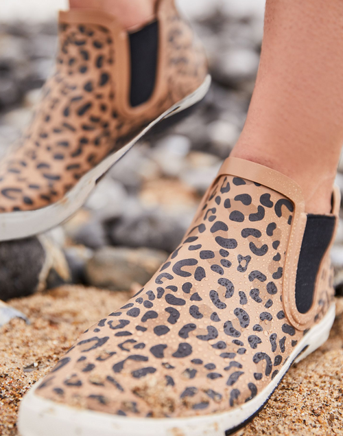 Leopard short height rain boot