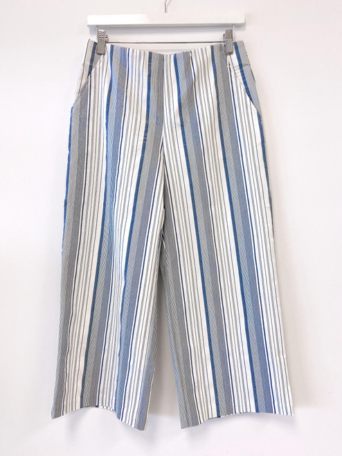 Navy and white striped pull on wide leg capri pant