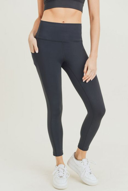 High waisted black legging with side pocket