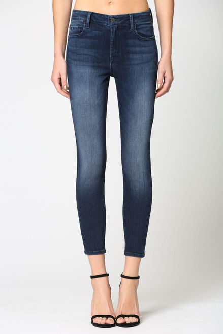 Women's dark wash skinny jean with no distressing