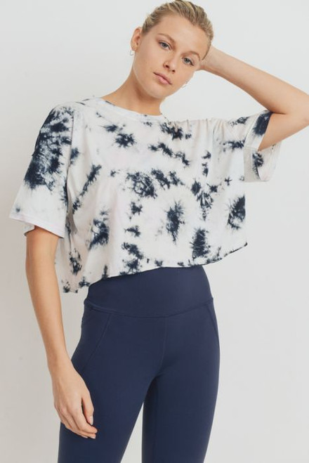 Women's black and white cropped tie-dye tee