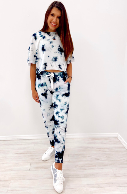 Women's navy and white tie dye lounge set
