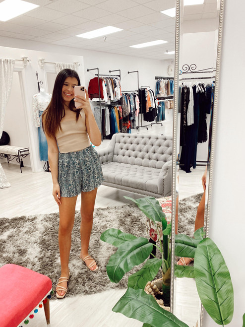 Blue paisley printed pleated shorts